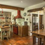 Spacious country kitchen, 2020